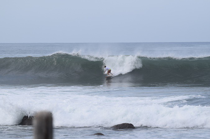 el salvador surfing beaches